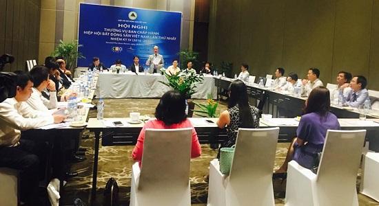 Chủ tịch Nguyễn Trần Nam tại Hội nghị thường vụ Ban chấp hành Hiệp hội Bất động sản Việt Nam